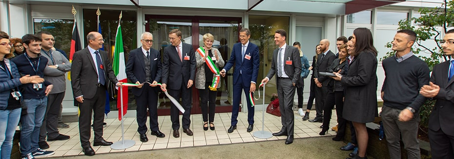 CordenPharma Caponago (IT) ribbon cutting ceremony during inauguration of aseptic fill/finish injectables plant