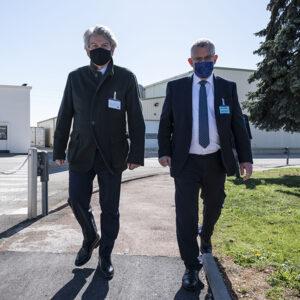 Yves Michon greets EU Commissioner Thierry Breton at CordenPhara Chenôve (FR) on April 4, 2021